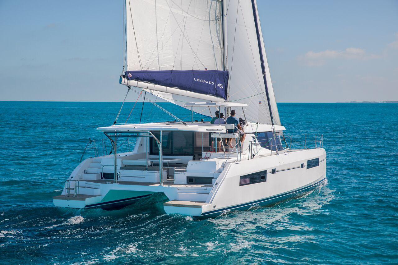 Seychelles: sailing cruises on yachts and catamarans